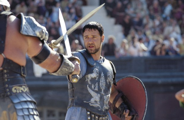russell-crowe-gladiator-2
