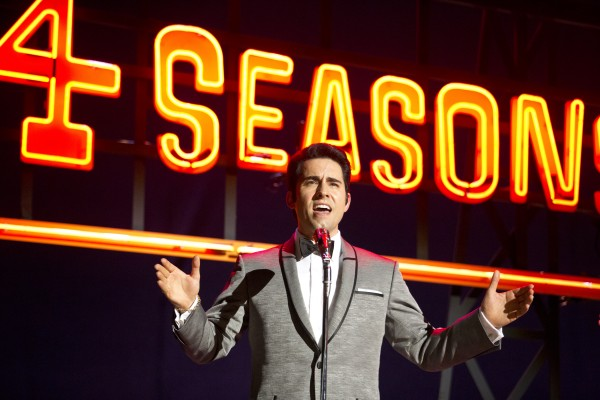 jersey-boys-john-lloyd-young-600x400