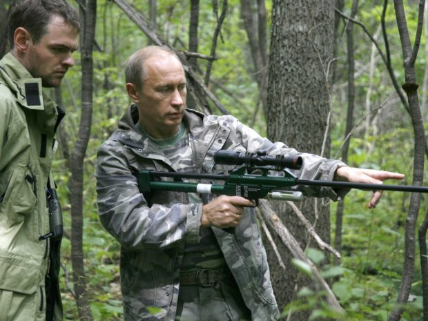 in-2008-putin-went-on-a-tiger-hunt-in-the-russian-far-east-as-part-of-a-scientific-expedition