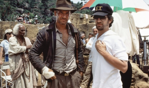steven-spielberg-on-set-indiana-jones-temple-of-doom-with-harrison-ford