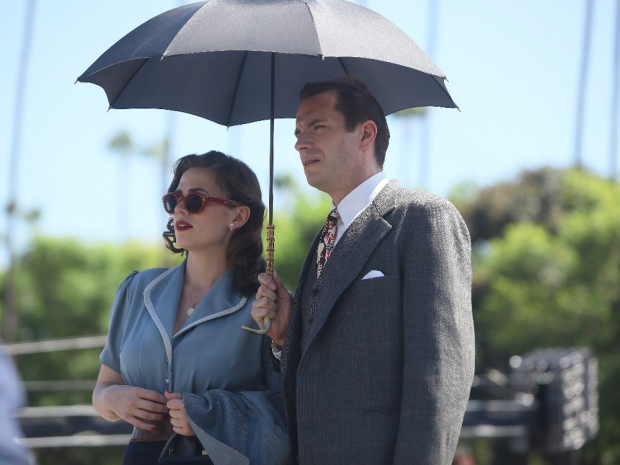 """MARVEL'S AGENT CARTER - """"The Lady in the Lake"""" - In the season premiere episode, """"The Lady in the Lake,"""" Peggy moves to the City of Angels to help Chief Daniel Sousa at the West Coast Strategic Scientific Reserve (SSR) investigate a bizarre homicide involving an alleged killer and Isodyne Energy, and reunites with some familiar faces. """"Marvel's Agent Carter"""" returns for a second season of adventure and intrigue, starring Hayley Atwell in the titular role of the unstoppable agent for the SSR (Strategic Scientific Reserve), TUESDAY, JANUARY 19 (9:00-10:00 p.m. EST) on the ABC Television Network. (ABC/Patrick Wymore) HAYLEY ATWELL, JAMES D'ARCY"""